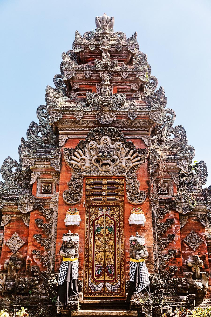 Ubud yakınlarında bir tapınak