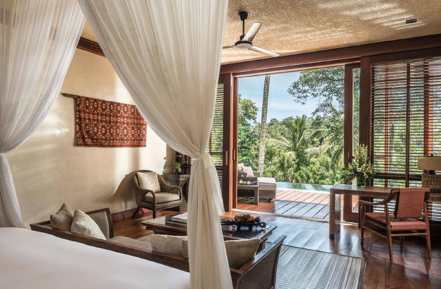 Four Seasons Resort Bali At Sayan villalarının yatak odası