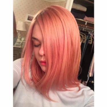 Elle Fanning'in Gül Kurusu Saçları