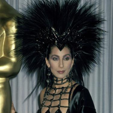 Bu Elbise Oscar'lık mıydı Cher!?