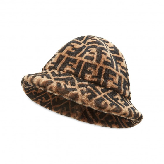 Şapka Giyin