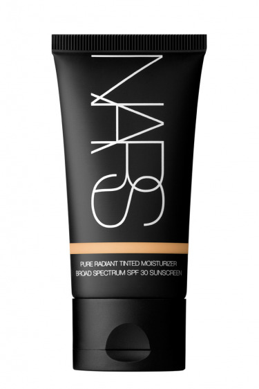 Nars – Pure Radiant Tinted Moisturizer SPF30