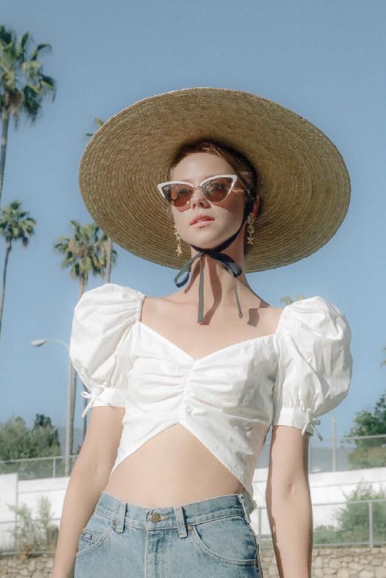 Yazlık Versiyon: Beyaz Gömlek