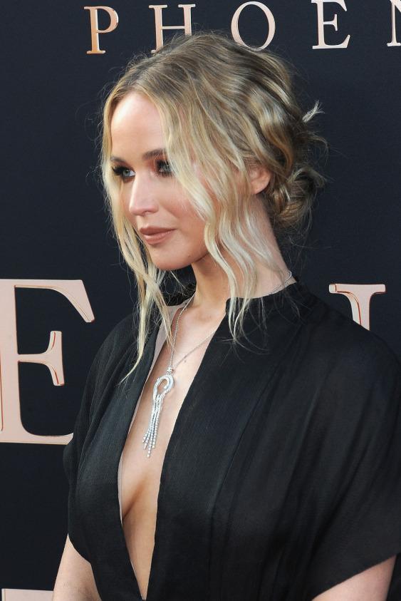 Jennifer Lawrence'ın Viktoryen Aurası