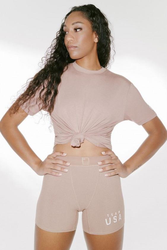 Kim Kardashian Olimpiyatlar İçin Tasarlıyor