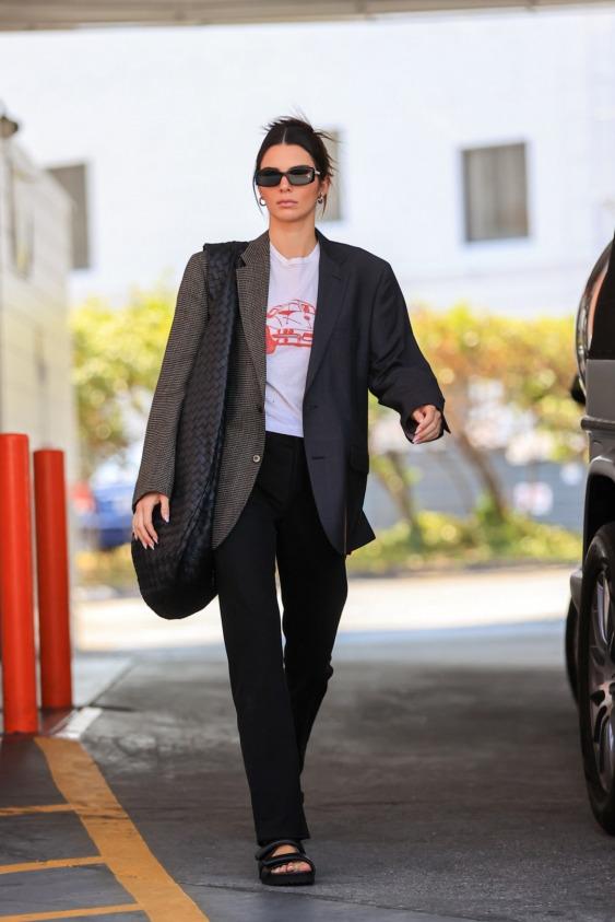 Kendall Jenner'dan Ters Köşe