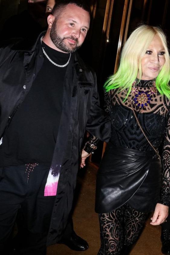 Versace ve Fendi Güçlerini Birleştiriyor