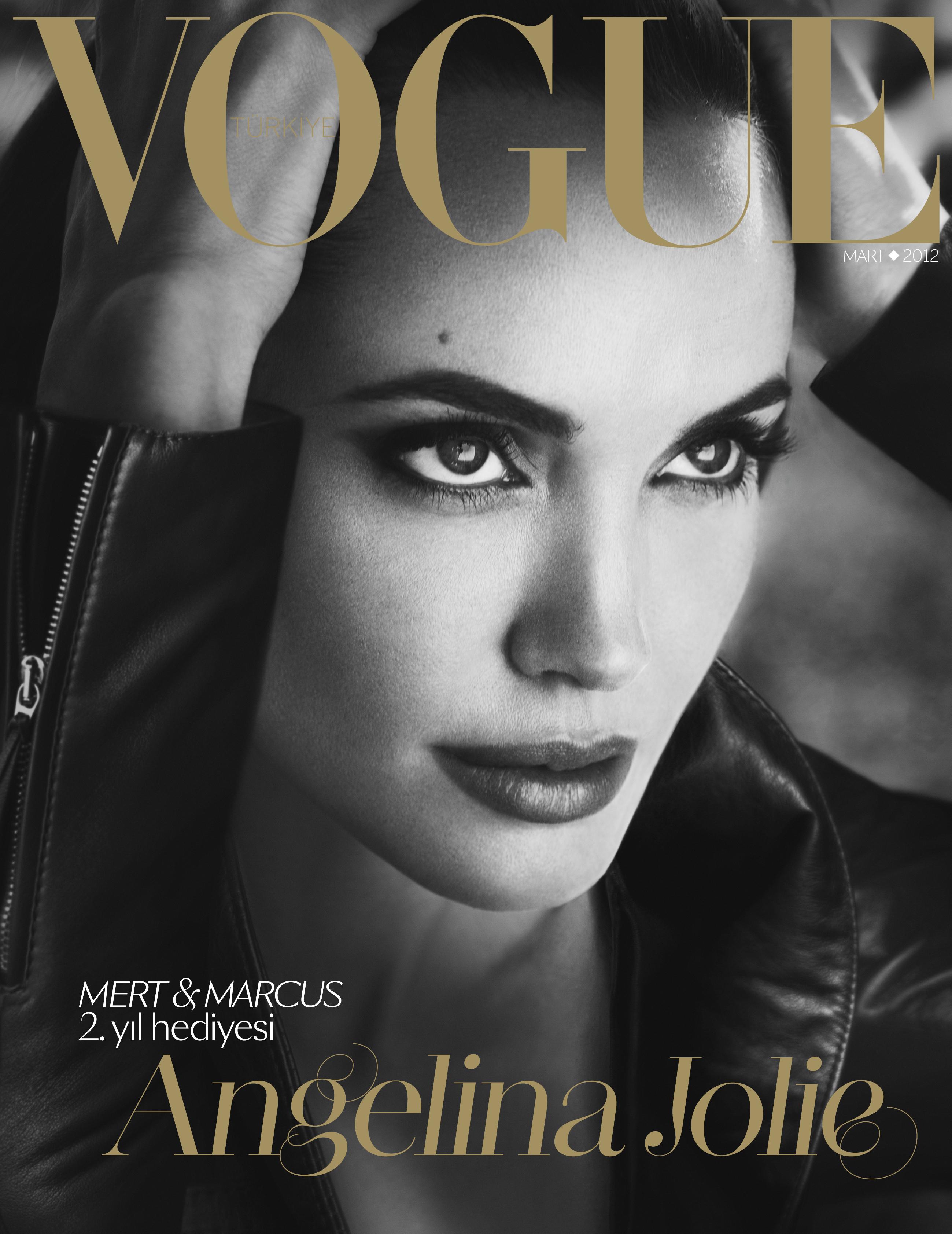 Mert&Marcus'un ikinci yıl hediyesi: Angelina Jolie