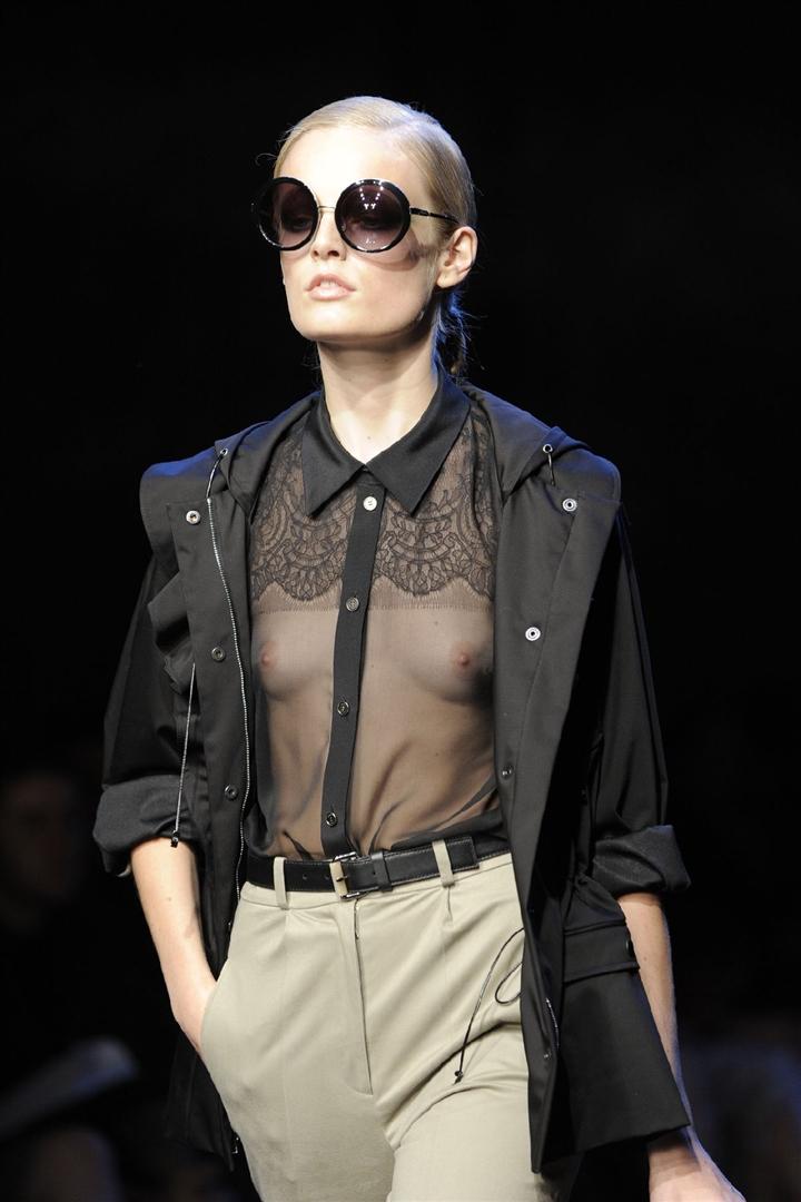 fashion-show-tits-farrah-fawcett-sexy