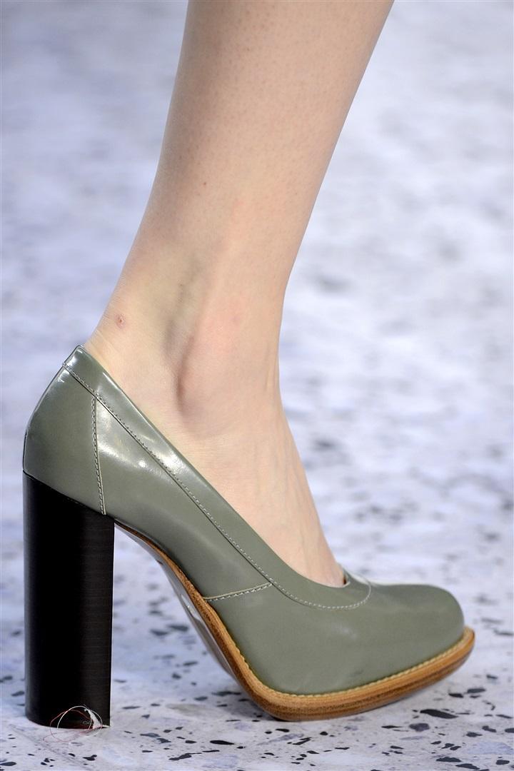 екатеринбург сегодня литой каблук у обуви фото летней