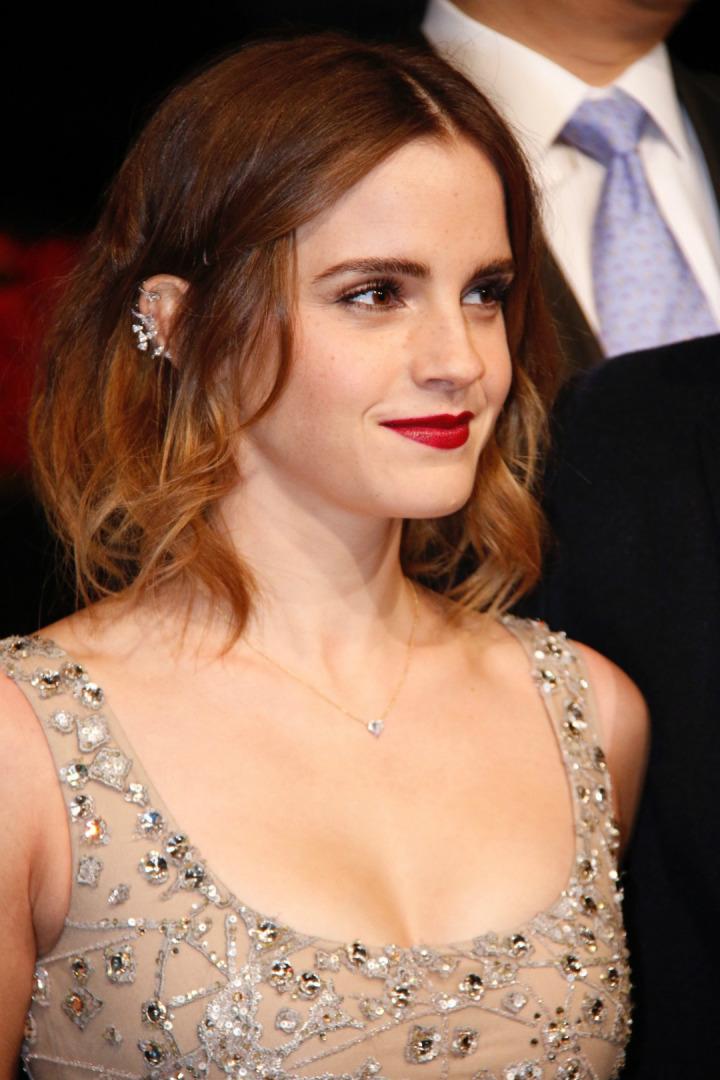 Emma Watson In Ear Cuff Obsesyonu